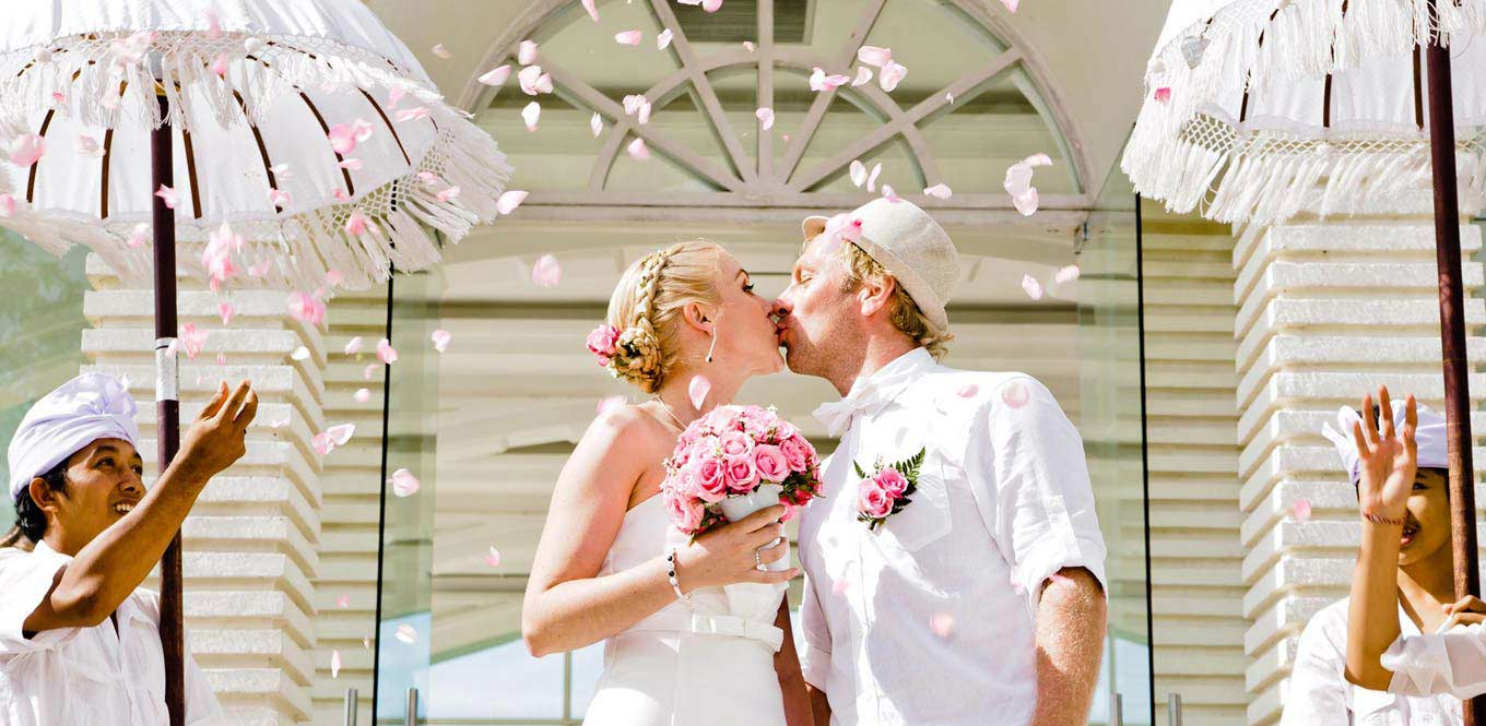 Bali Weddings - Blue Point Chapel Wedding First Kiss