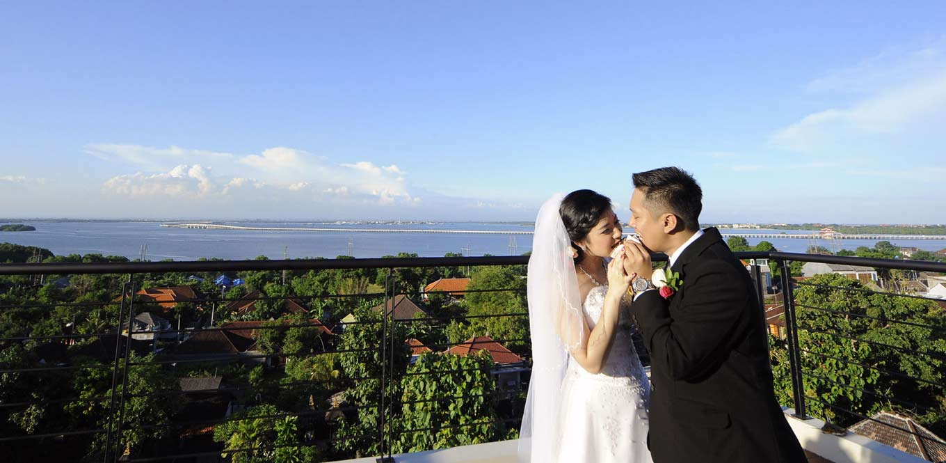 Bali Weddings - Mahogany Hotel Wedding Moment