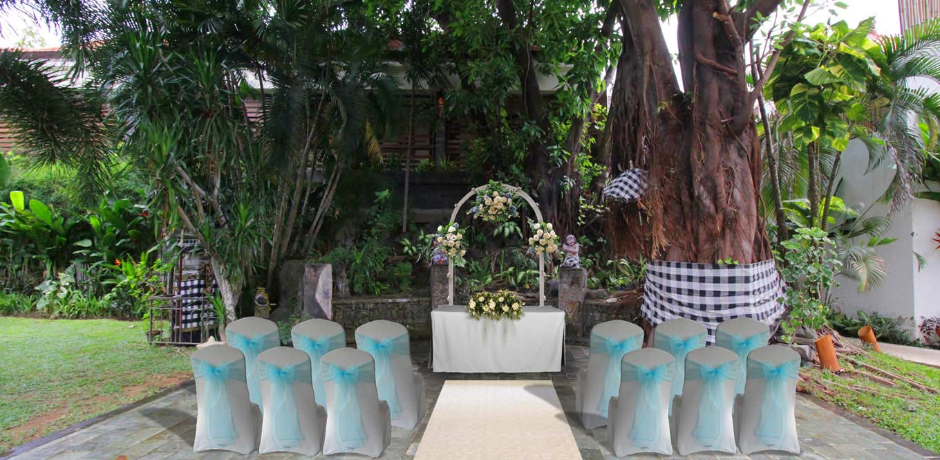 Bali Weddings - Slide Astagina Resort Wedding