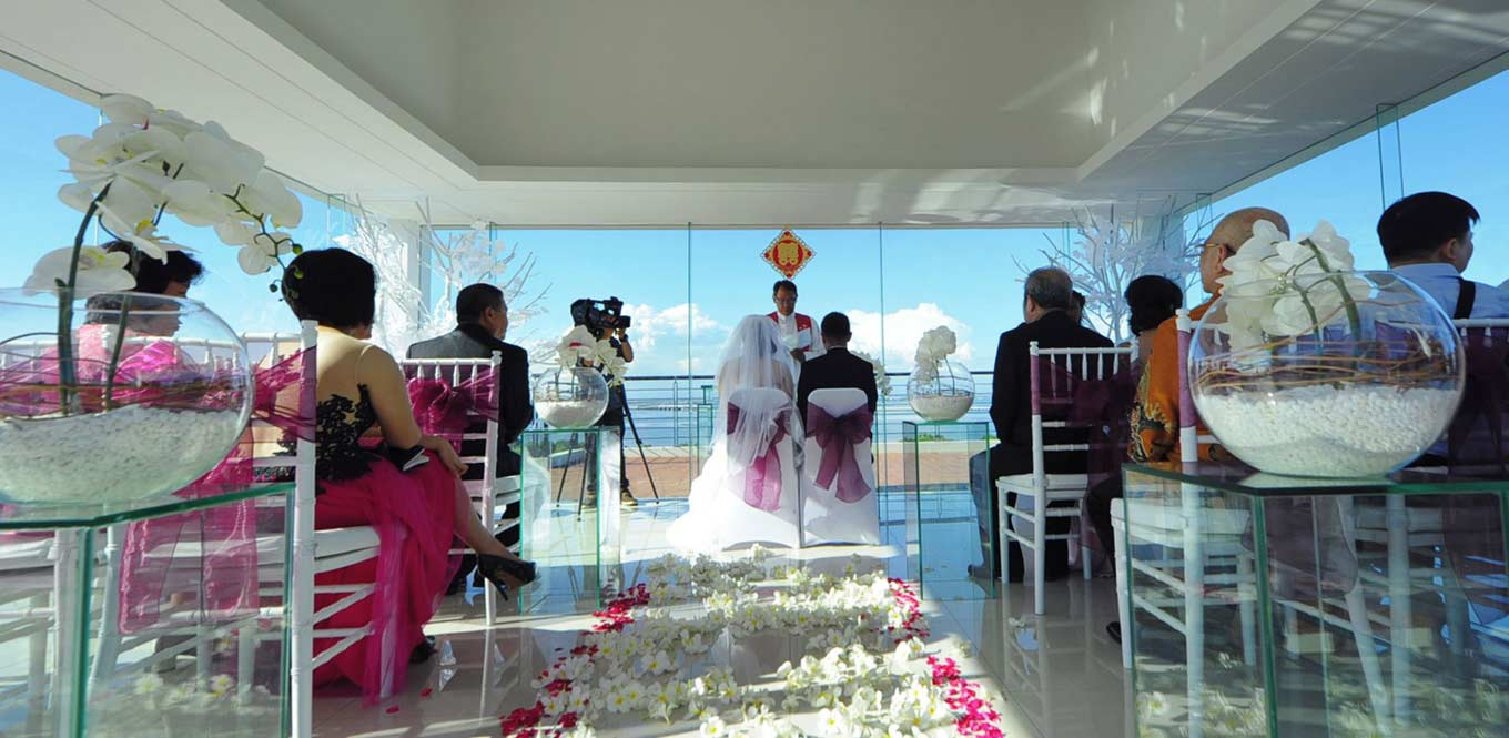 Bali Weddings - Wedding Moment Mahogany Hotel Chapel